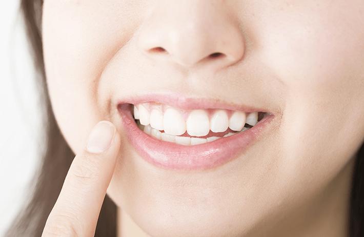 比較的良い歯並び